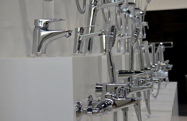 Produits bois mat riaux carrelage salle de bains for Meuble jardin yverdon